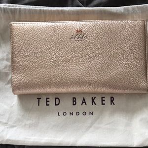 "67ba4bc9ddfba Ted Baker Accessories - Ted Baker Travel Wallet ""KAYY"" - rose gold"